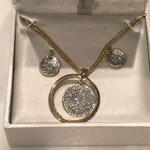 KENNETH COLE Earrings & Necklace Set Gold - NWT